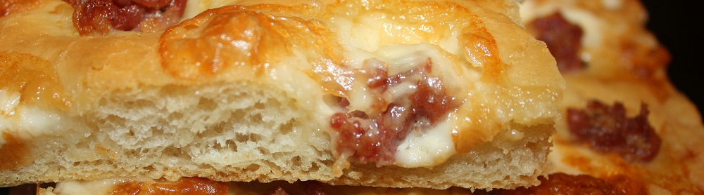 Focaccia bassa con salsiccia toscana tartufata