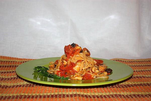 Spaghetti con sugo di rana pescatrice
