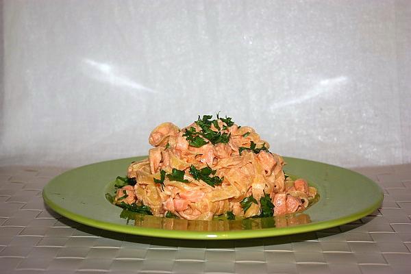 Tagliatelle al salmone affumicato
