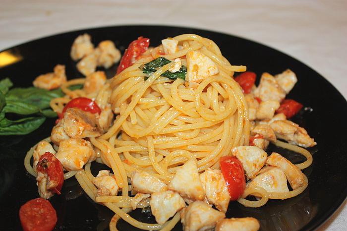 Spaghettino estivo cernia e datterini