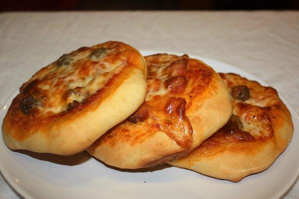 Pizzette con pasta madre