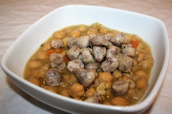Zuppa di ceci e salsiccia