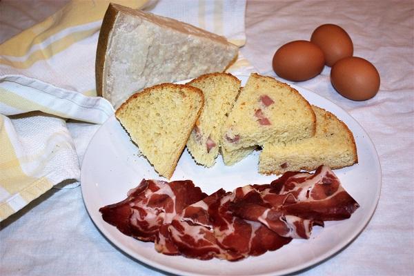 Crescia di Pasqua con parmigiano e pecorino romano
