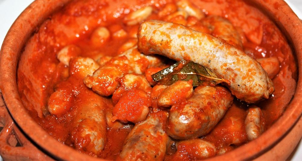 Salsiccia e fagioli borlotti in umido