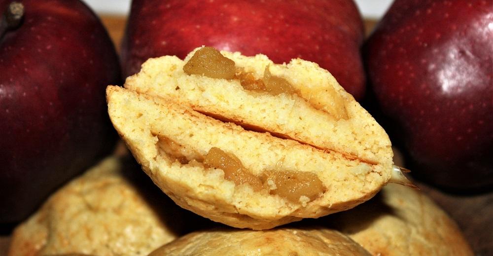 Frollini farciti con composta di mele