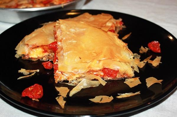 Torta salata con melanzane e pomodorini confit
