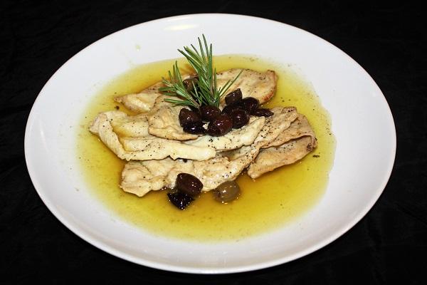 Petto di pollo in padella con olive