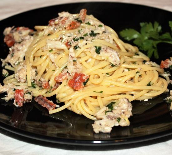 Spaghetti in bianco con cicale e limone