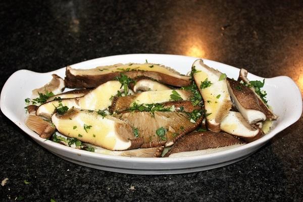 teglia completa di patate e cardoncelli