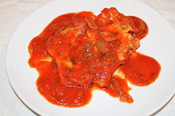 fette di maiale alla pizzaiola