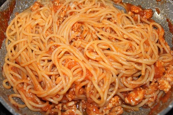 spaghetti al ragù di alalunga